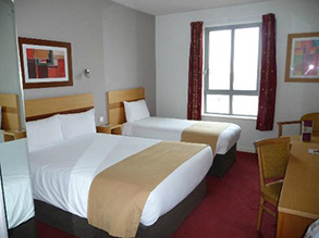 jurys-inn-liverpool_room
